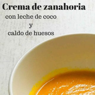 Crema de zanahoria con leche de coco y caldo de huesos
