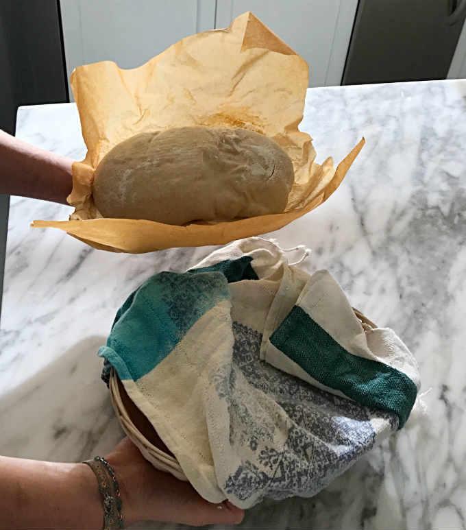 encima-del-papel-de-horno-amasijo-pan-masa-madre